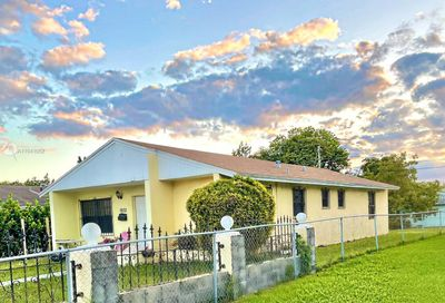 1932 NW 2nd Ct Miami FL 33136