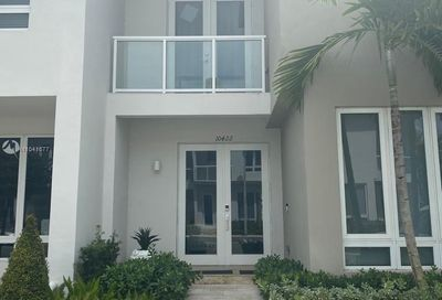 10422 NW 64th Ter Doral FL 33178