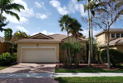 5861 NW 120th Ave Coral Springs FL 33076