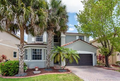 841 NW 126th Ave Coral Springs FL 33071