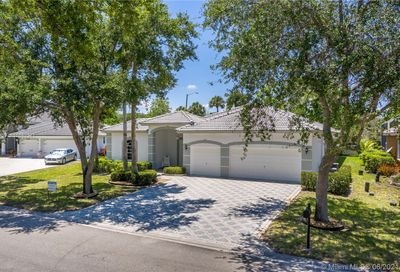 4824 NW 113th Ave Coral Springs FL 33076