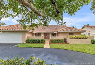 71 SW 114th Ter Coral Springs FL 33071