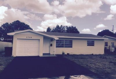 2700 NW 35th Ter Lauderdale Lakes FL 33311