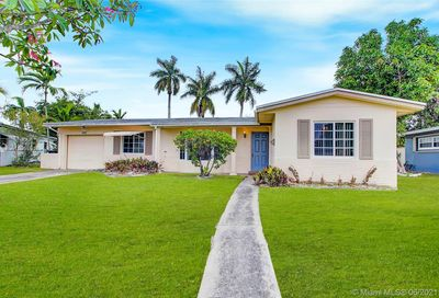 2580 NW 34th Ter Lauderdale Lakes FL 33311