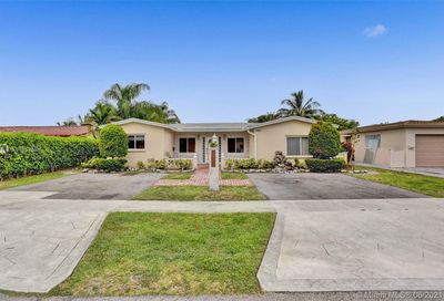 3981 NW 47th Ter Lauderdale Lakes FL 33319