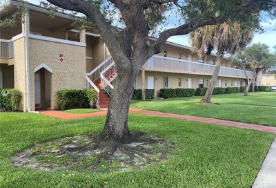 9926 Twin Lakes Dr Coral Springs FL 33071