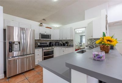 8922 NW 50th Ct Coral Springs FL 33067
