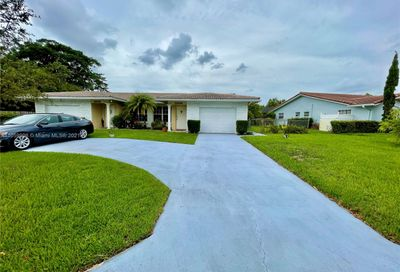 2504 NW 82nd Ter Coral Springs FL 33065