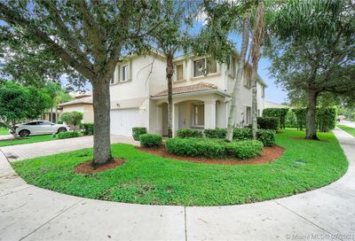 12101 NW 51st Ct Coral Springs FL 33076