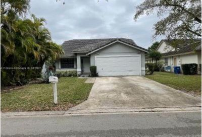 2333 NW 95th Ave Coral Springs FL 33065