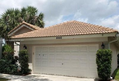 8442 NW 57th Dr Coral Springs FL 33067