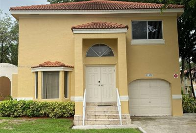 11297 Lakeview Dr Coral Springs FL 33071