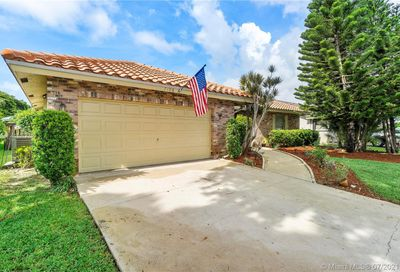 7106 NW 42nd St Coral Springs FL 33065
