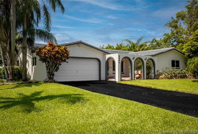 9884 NW 17th St Coral Springs FL 33071
