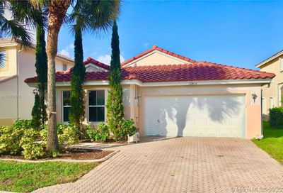 12415 NW 56th Ct Coral Springs FL 33076