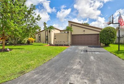 9016 NW 21st St Coral Springs FL 33071