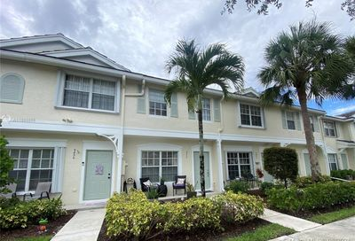 9840 NW 56th Pl Coral Springs FL 33076
