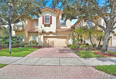 5706 NW 119th Ter Coral Springs FL 33076