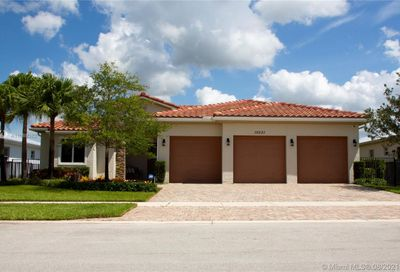 10521 Marin Ranches Dr Cooper City FL 33328