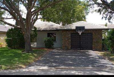 2334 NW 87th Dr Coral Springs FL 33065
