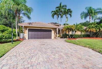 2312 NW 97th Ln Coral Springs FL 33065