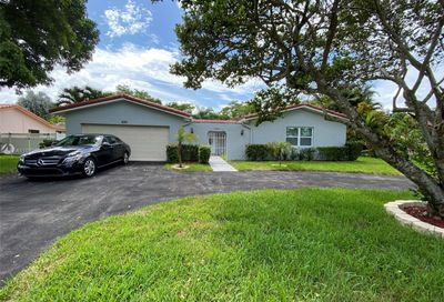4180 NW 103rd Dr Coral Springs FL 33065