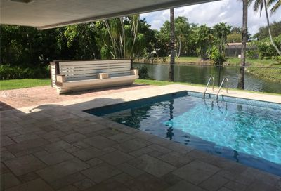 11025 SW 70th Ave Pinecrest FL 33156