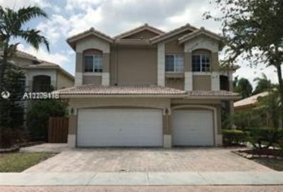 11142 NW 72nd Ter Doral FL 33178