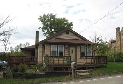 121 Narrows Rd Connellsville PA 15425