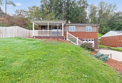 881 Colonial Manor Rd. Irwin PA 15642