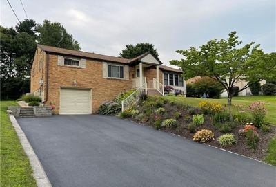 179 Forest Dr North Huntingdon PA 15642