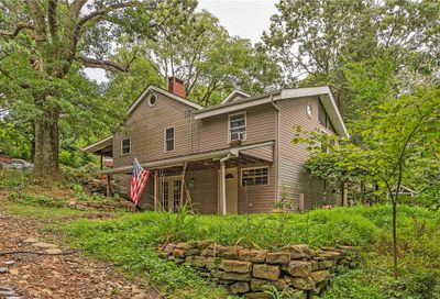 154 Sutherland Jeannette PA 15644