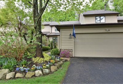 220 Heather Hill Chagrin Falls OH 44023
