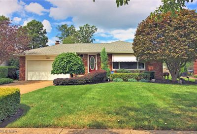 6369 Ashdale Road Mayfield Heights OH 44124