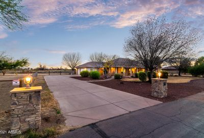 577 W Via De Arboles -- San Tan Valley AZ 85140