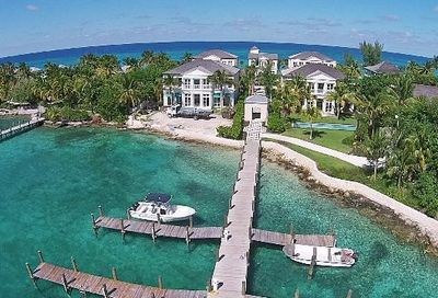 Beach House, Paradise Island Out Of Country Out of Country 00000