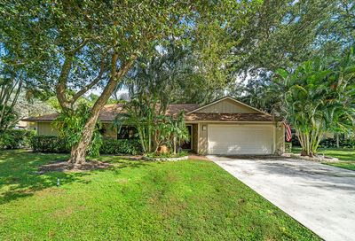2565 Prosperity Oaks Court Palm Beach Gardens FL 33410