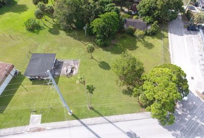 3805 Okeechebee Road Fort Pierce FL 34947