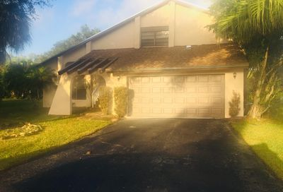 3770 NW 73rd Way Coral Springs FL 33065