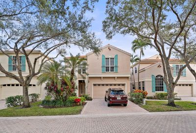 81 Via Verona Palm Beach Gardens FL 33418