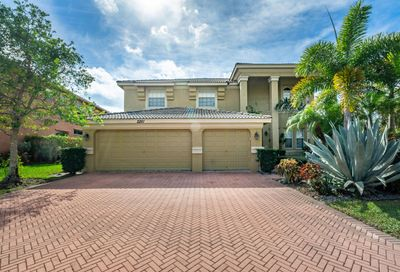 2261 Ridgewood Circle Royal Palm Beach FL 33411