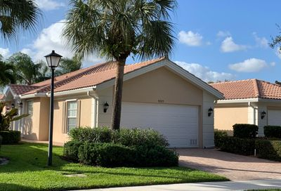 5021 Magnolia Bay Circle Palm Beach Gardens FL 33418