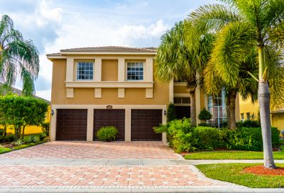 2302 Ridgewood Circle Royal Palm Beach FL 33411