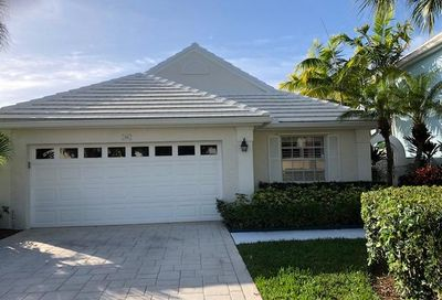 19 Blenheim Court Palm Beach Gardens FL 33418