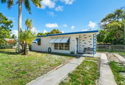 1520 NE 44th Street Pompano Beach FL 33064