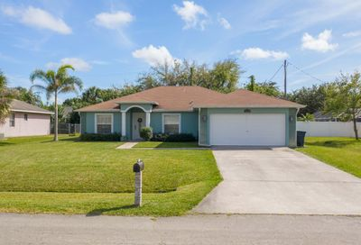 2218 SE Marsh Avenue Port Saint Lucie FL 34952