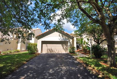 3828 Wilderness Way Coral Springs FL 33065