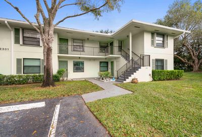 2301 Sabal Ridge Court Palm Beach Gardens FL 33418