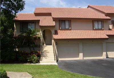Coach Houses Of Town Place Homes For Sale In Boca Raton