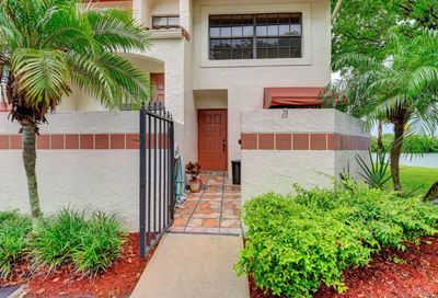111 Liberty Court Deerfield Beach FL 33442